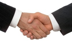 Подписание договора о приватизации