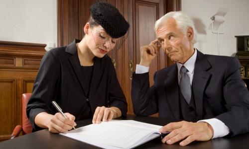 Обращение к нотариусу для оформления документов на наследство