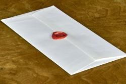 Передача нотариусу закрытого завещания в закрытом конверте